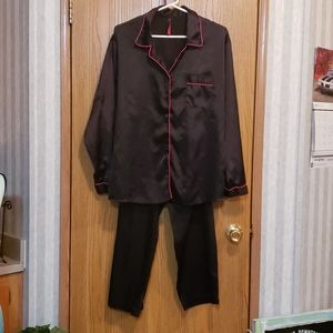 Seven 'til Midnight Top and Bottom PJ's Size XL